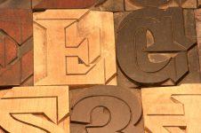 Une animation jeu en bois comme le Billard Hollandais à côté du musée lumiere de lyon ?