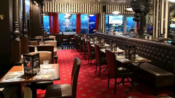 au-bureau-vaulx-en-velin-salle-du-restaurant